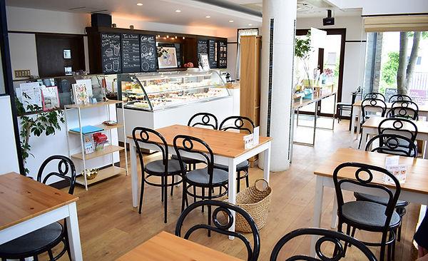 店内カフェスペース