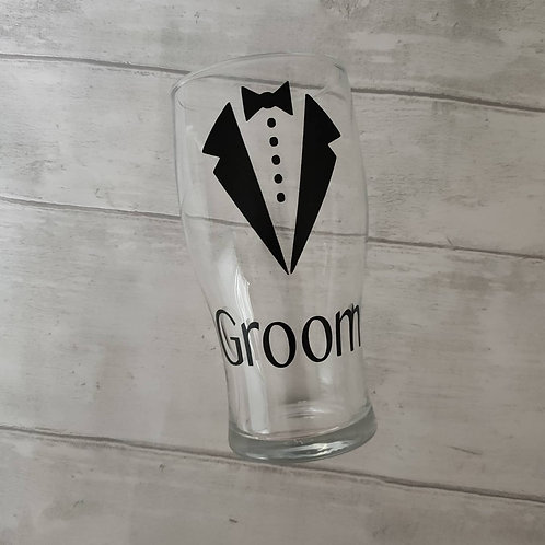 Groom or groomsmen pint glass