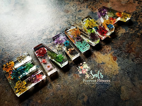 Flowers set in resin in Mini letters approx 4cm tall