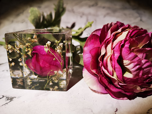 Flower preserved in a 6cm cube keepsake paperweight ornament