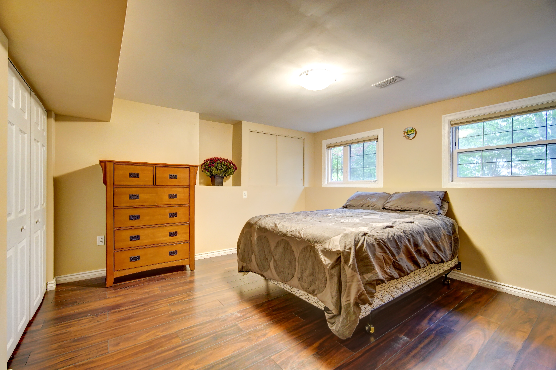 Lower large bedroom