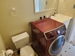 Main bath/laundry room