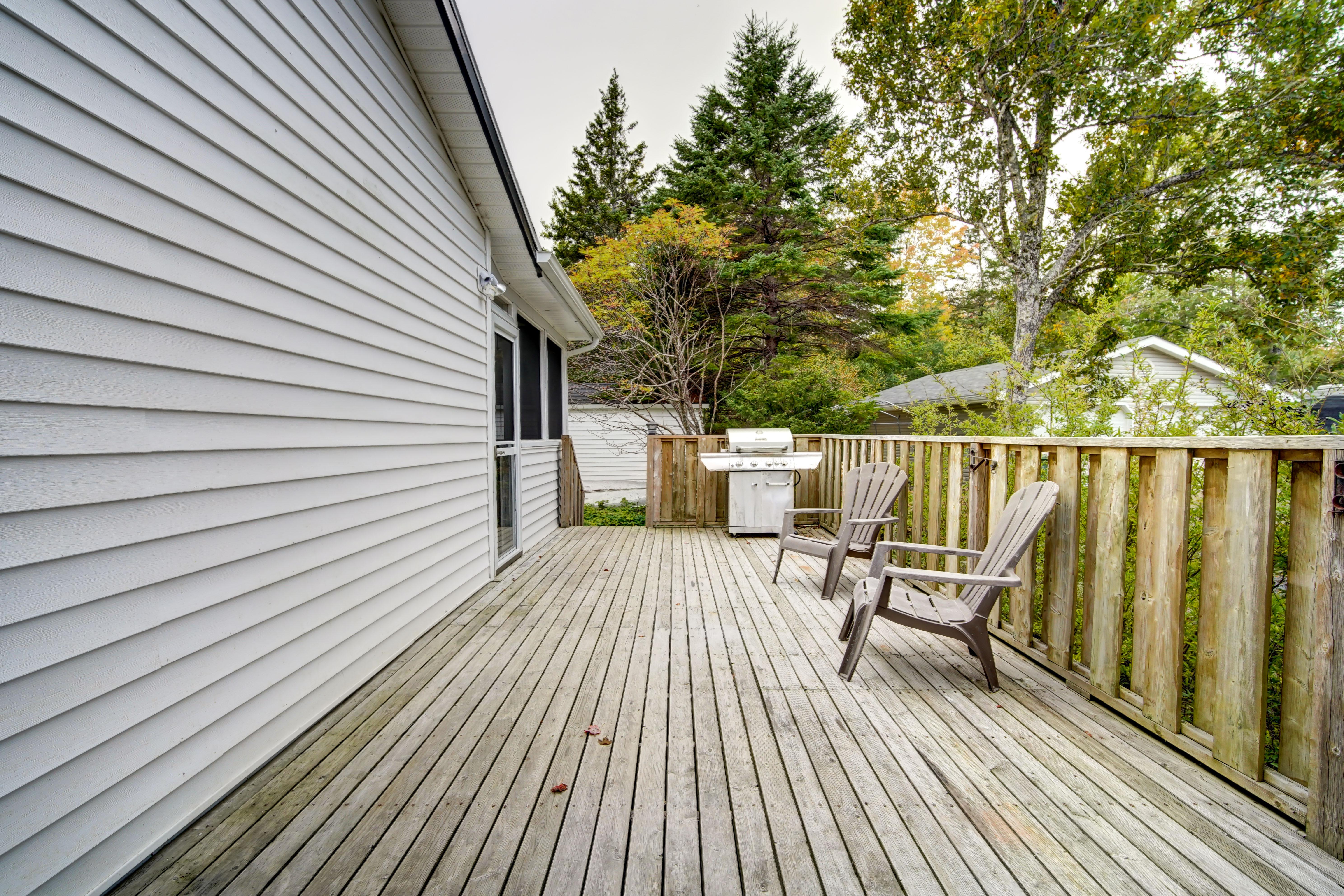 Good-sized deck