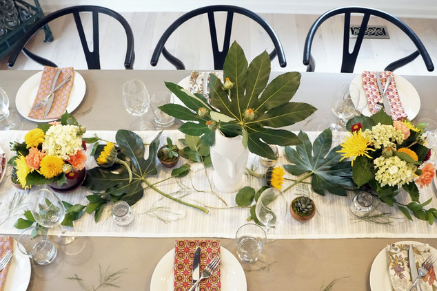 The Fine Art of Hospitality: Entertainment, Tablescapes & Prep Tips