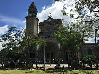 electric vehicle (電気自動車)(E-Trike) runs sightseeing area (観光)of Intramuros(イントラムロス). Clemenisle-ev(クレメンアイル) supports the EV project. This is Manila Cathedral, waiting point of charyered E-Trike..
