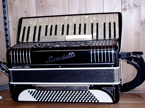 Scandalli Butterfly 120 Bass Accordion