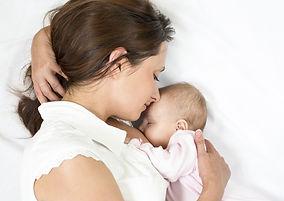 mamma con neonato