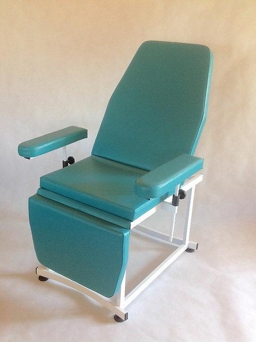Кресло косметологическое 3-х секционное с  фексированной высотой. Используется  в салонах красоты и SPA салонах. Раскладывает