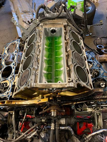 BMW V8 cylinder head reseal