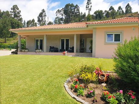 Spacious 3BR Ranch Style Villa in Valença - Minho Portugal