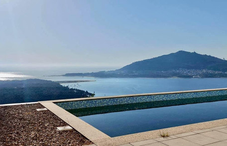 4 Bedroom, 3 Bathroom Modern Villa with Pool - Caminha