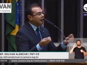 """Deputado Cearense dá conselho ao Ministro da Educação: """"Vá dançar forró, tomar banho de rio!"""""""