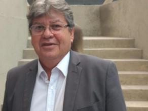 João Azevêdo garante pagamento de parcela do 13º salário antes do São João
