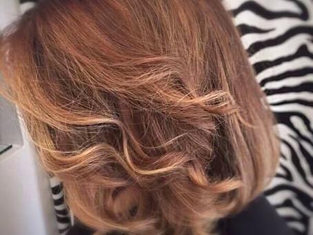 Colorare i capelli con la natura