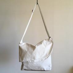 Cotton White & Charcoal Round Flap Shoulder