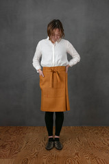 Linen Apron Short / OCHER