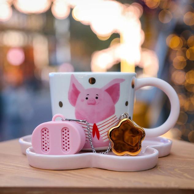 8 oz 花叢款馬克杯碟組 (8 oz full bloom mug, pig nose silicone tea infuser, and saucer)