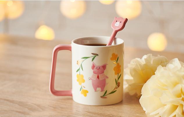 12 oz 小豬春風滿面馬克杯 (12 oz floral wreath mug with piggy spoon)