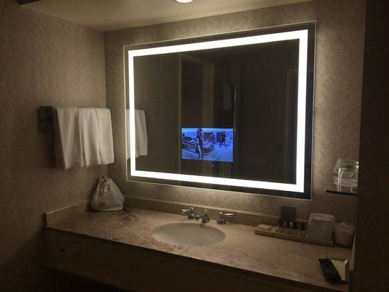 Espejo television con luz baño