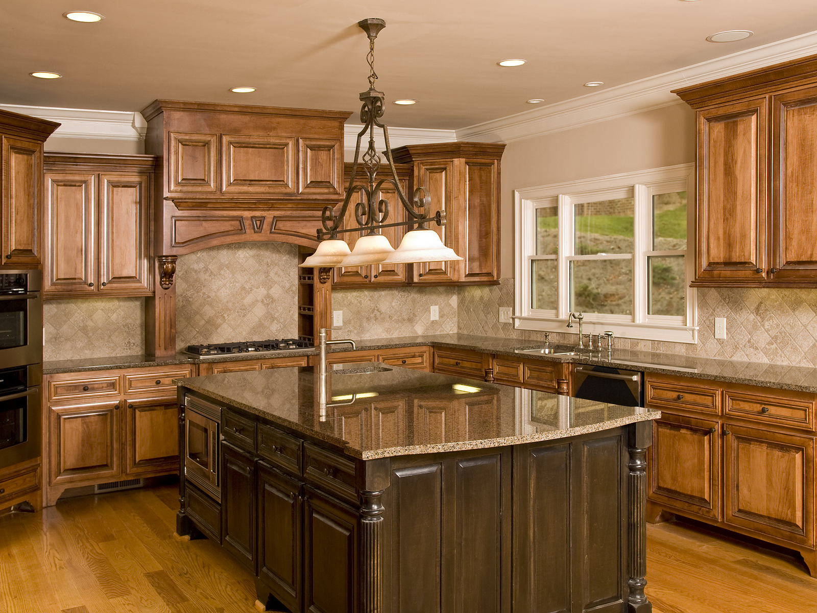 deluxe-design-bigstock-luxury-kitchen-large-cent.jpg