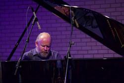 Richard Lewis-Hatfield-in-Concert-smal