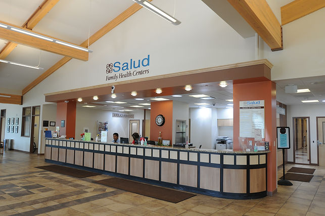 salud clinic front desk