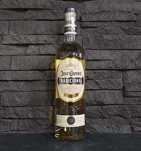José Cuervo Tradicional tequila Reposada