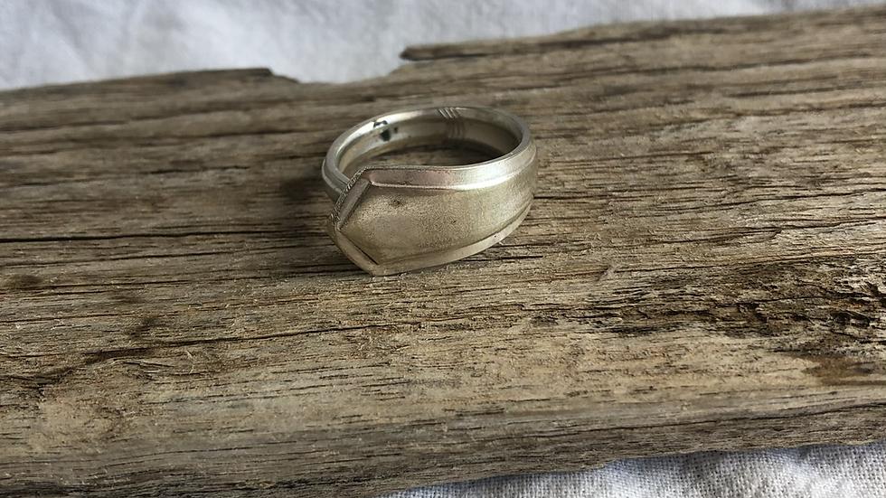 Soph ring - size Q