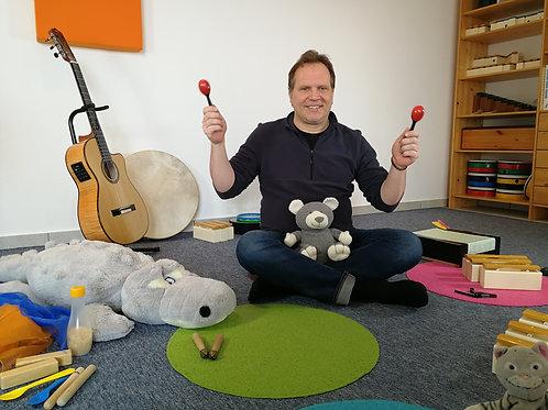 Mitmach-Videos 1 und 2 des aktuellen Online-Musikurses für Eltern und Kinder