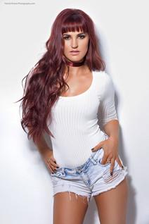 3/4 Body Lisa Marie