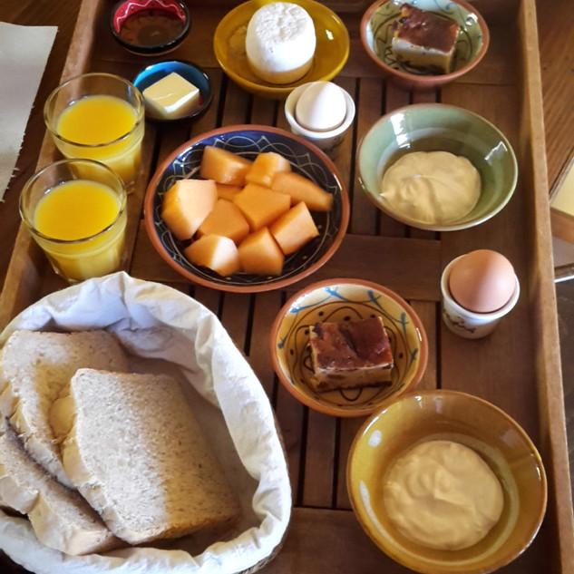 Kalyvitis breakfast