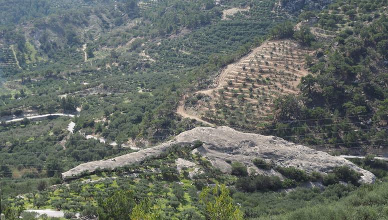 Het huis onder de rots, Kalyvitis