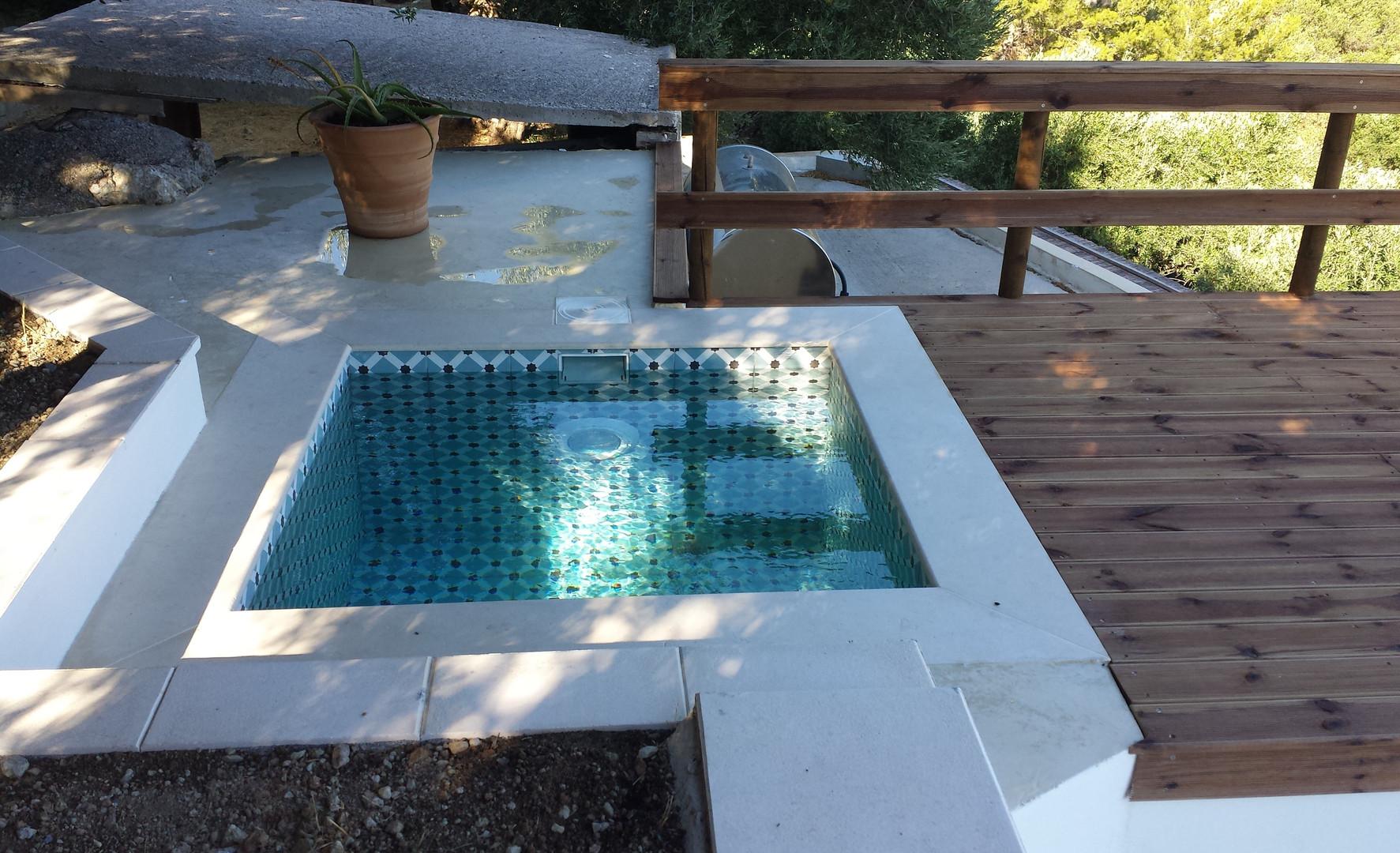 Le bassin-trempette sur le toit-terrasse