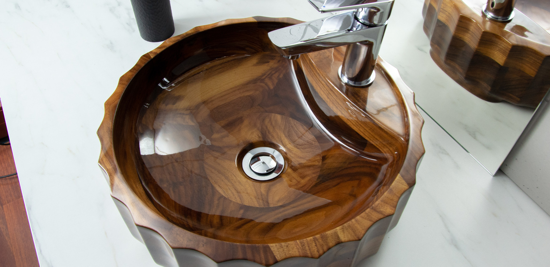 Umywalka z drewna Roman z drewna Orzech Amerykański