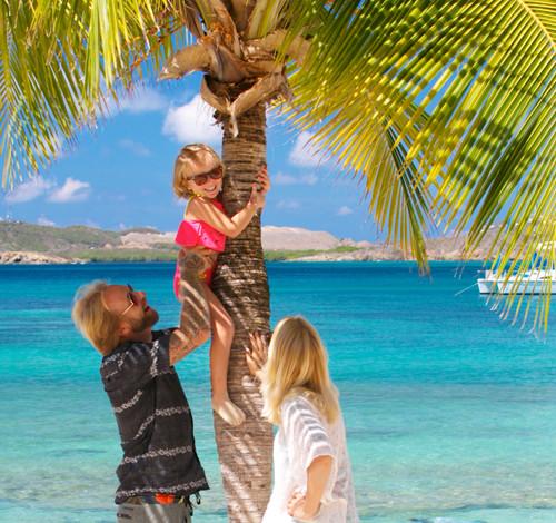 Secret-Harbour-palm-tree-familiy-1300x47