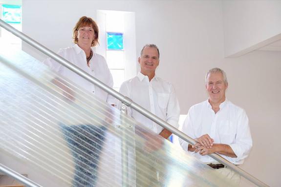 Tracy Roberts, Mide de Haas, Kevin Qualls
