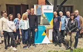 Bilde av Kasia og Ronald Gabrielsen med Lublin i bakgrunnen