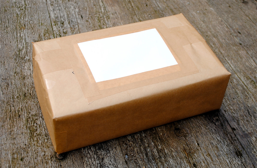 Postpakket met Geheugensteentjes.