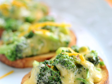 Cheesy Broccoli Crostini
