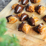 Chocolate-Dipped-Peanut-Butter-Pretzels-
