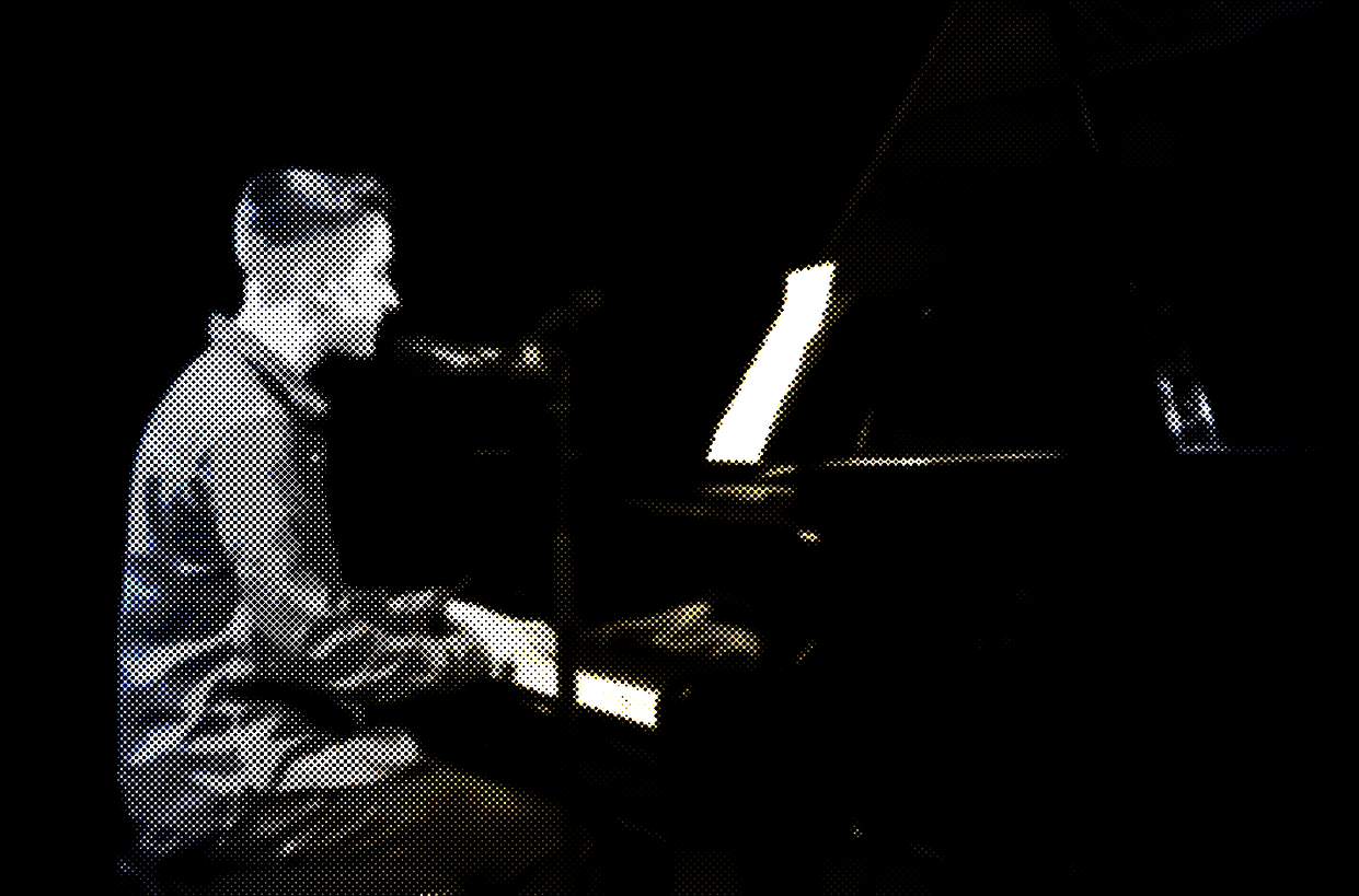 Luke Davies playing Jamie Cullum's Grand Piano