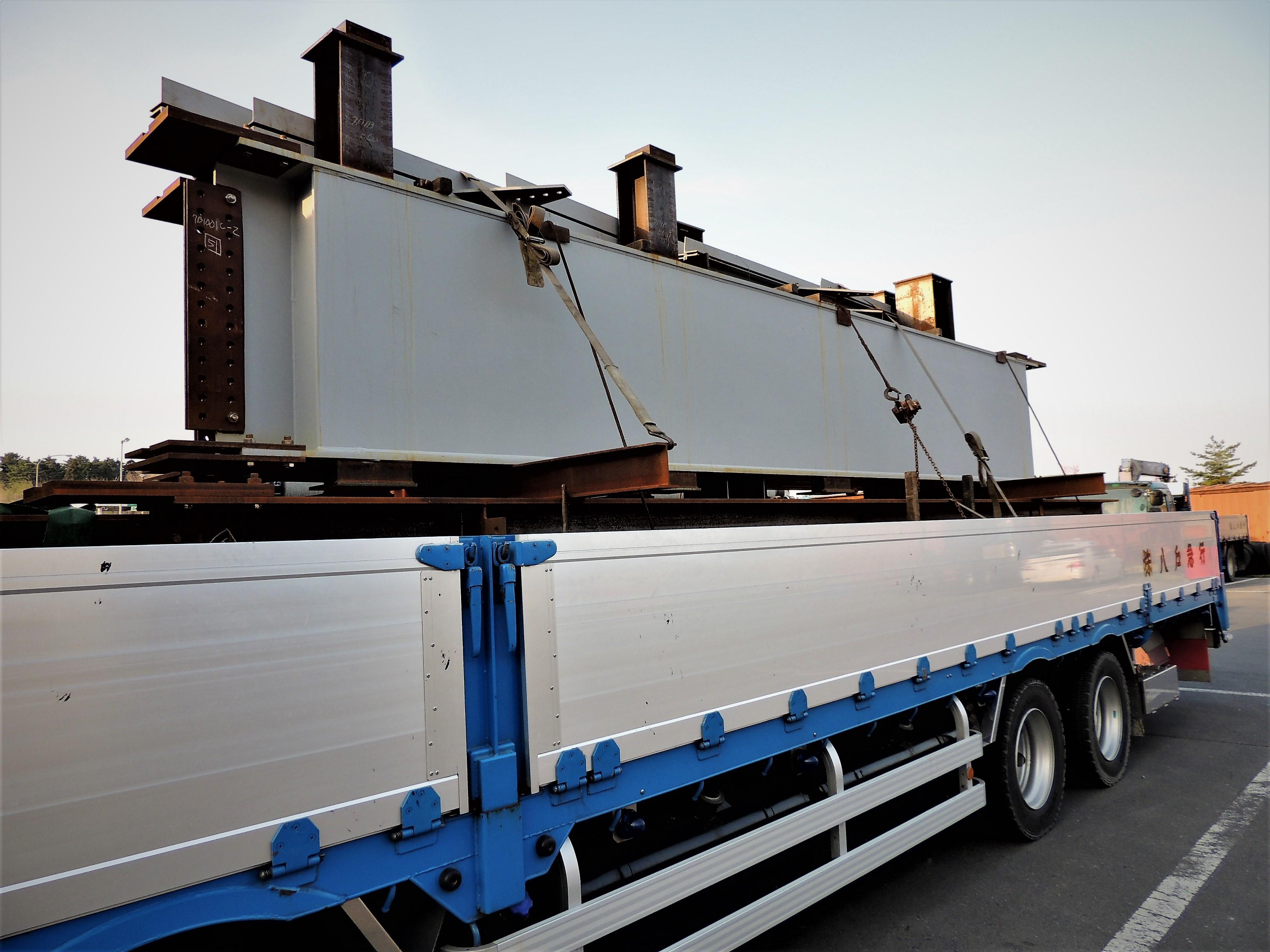 大型トラック平ボディ低床