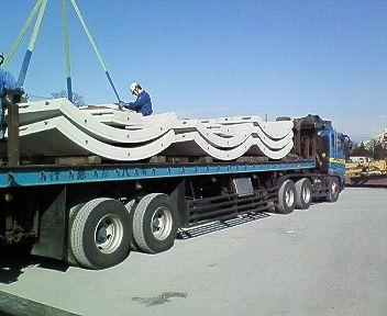 大型トレーラー
