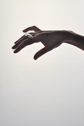 YG_BETONYVERNON-Hands-11.JPG