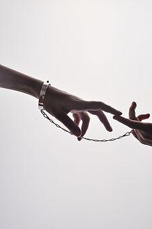 YG_BETONYVERNON-Hands-20.JPG
