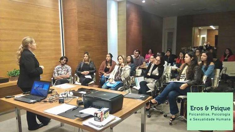 A Ginecologista e Sexóloga Maria Claúdia Vianna Barbosa fala sobre as questões, mitos e tabus relacionados à sexualidade e gestação