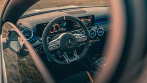 Location de voitures de luxe et kilométrage illimité, avantageux ou problématique ?