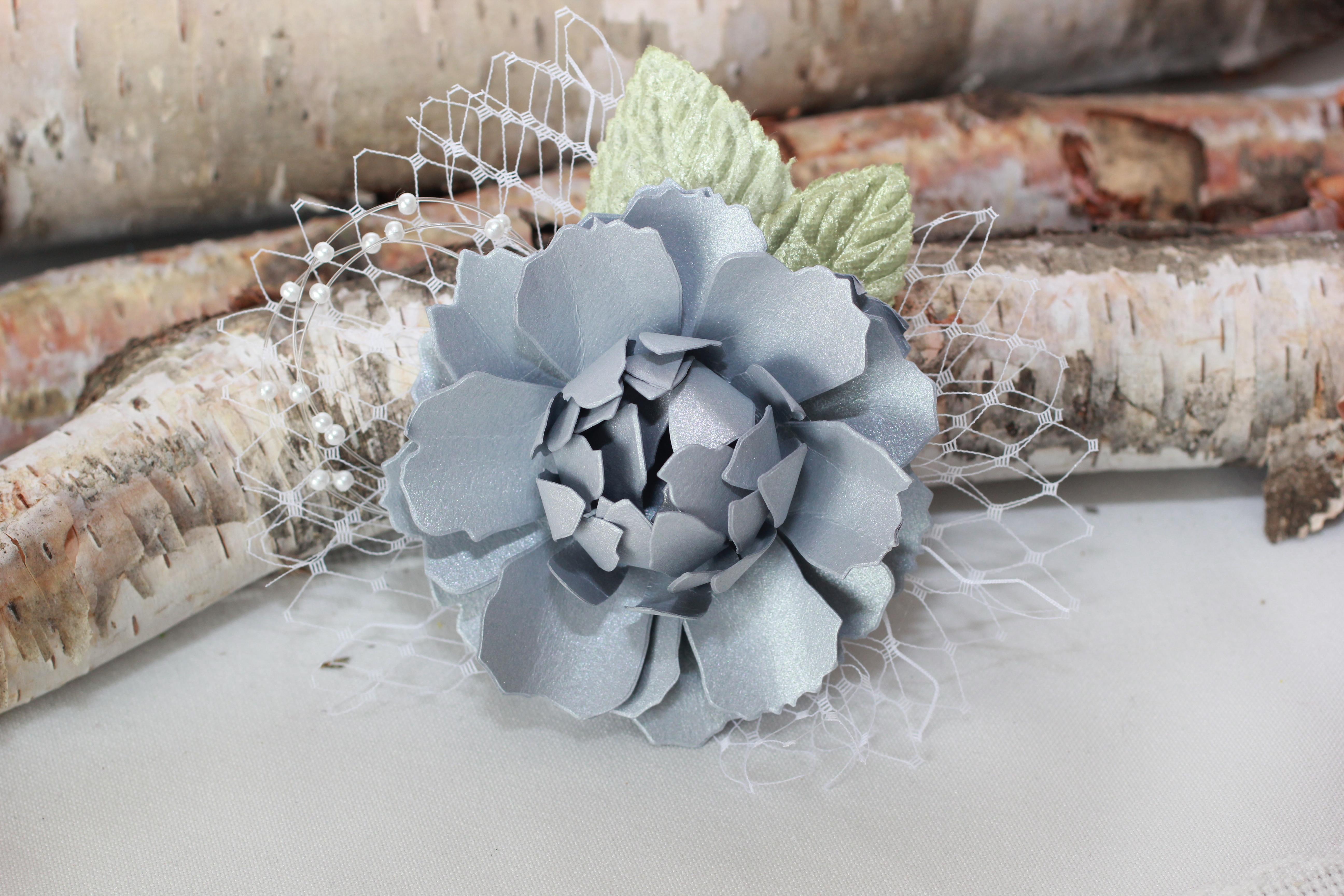 paper flower hair piece 2clvr design