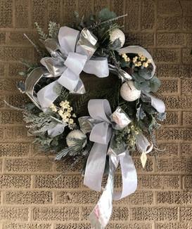 Wintery White Theme Silk Wreath