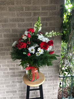 Red/White Fresh Arrangement